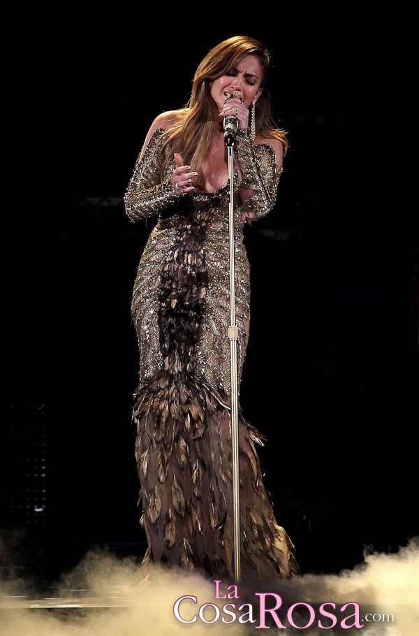 Jennifer Lopez y su compañía de móviles