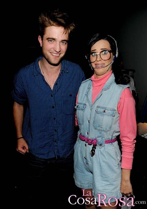 Katy Perry y Robert Pattinson, juntos en un concierto de Bjork