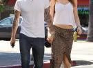 Adam Levine se compromete con la modelo Behati Prinsloo