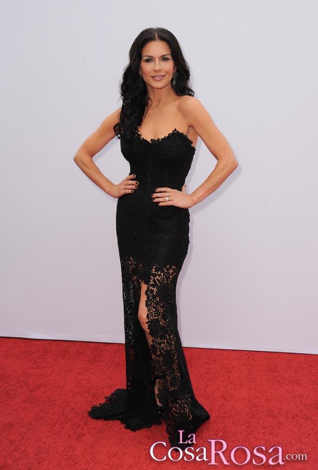 Catherine Zeta-Jones reaparece en el estreno de Red 2