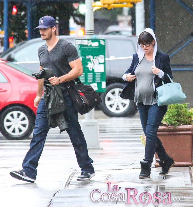 Jennifer Love Hewitt se casa en secreto y ya es madre de una niña