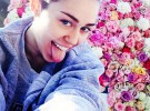 A Miley Cyrus le regalan una moto por su 21 cumpleaños