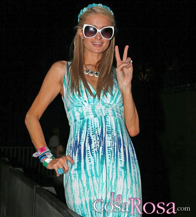 Kelly Osbourne y Paris Hilton montan un número en el Festival de Música de Coachella