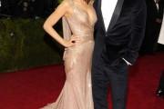 Atractivas y elegantes parejas en la gala MET 2014