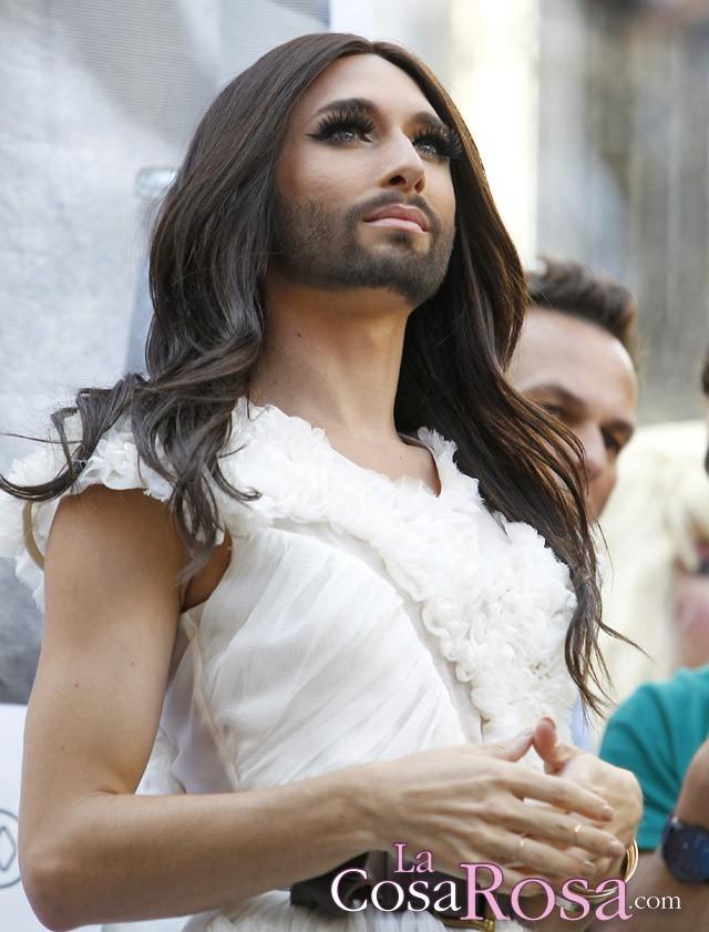 A Conchita Wurst le encantaría conocer a la reina Letizia