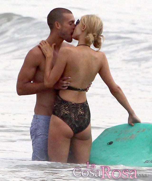 Paris Hilton se besa con un chico que no es River Viiperi