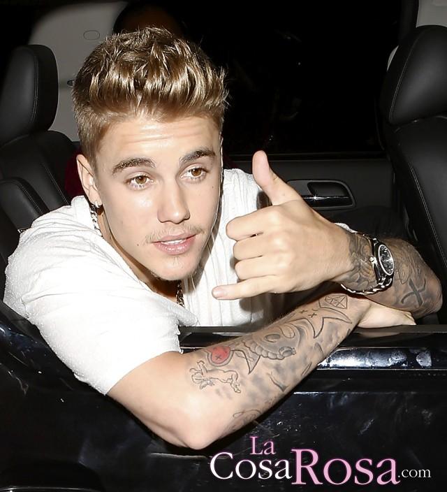 Justin Bieber declara bajo juramento que sale con Selena Gomez