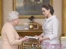 Isabel II nombra a Angelina Jolie Dama honoraria de una Orden británica