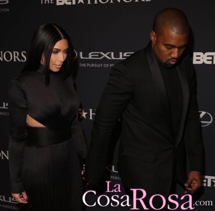 Kanye West no sonríe porque no es guay