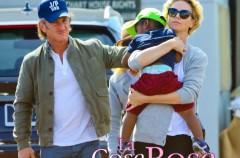 Sean Penn quiere adoptar al hijo de Charlize Theron