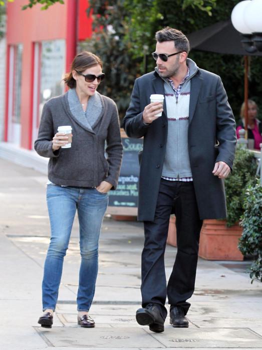 Ben Affleck & Jennifer Garner Stop For Coffee