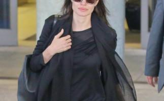 Angelina Jolie se somete a la extirparción de los ovarios y de las trompas de Falopio