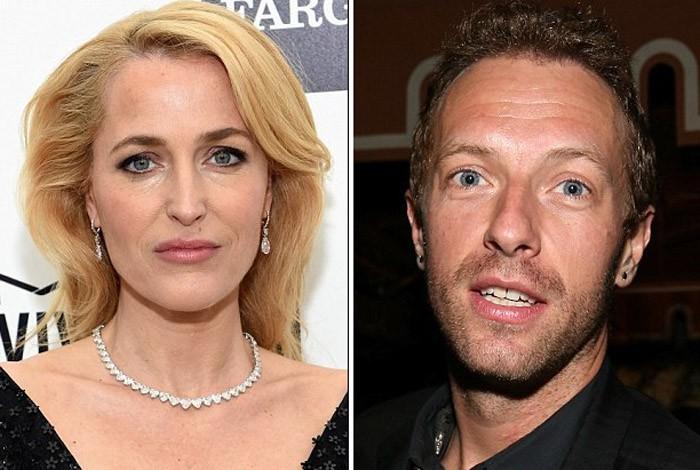 Gillian Anderson (Expediente X) le pide una cita a Chris Martin