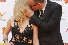 Risto Mejide y Carla Nieto se besan en el Festival de Cine de Málaga