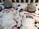 Cy y Bowie, los gemelos de Zoe Saldana posan uniformados del Real Madrid