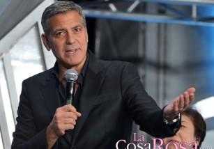 George Clooney lo tiene claro: sus canas se quedan
