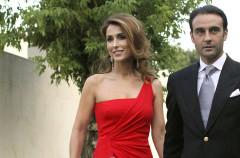 Enrique Ponce y Paloma Cuevas, felices en la revista ¡Hola!