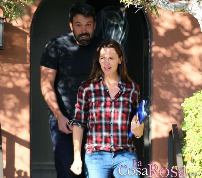 Ben Affleck y Jennifer Garner visitan un centro de terapia familiar