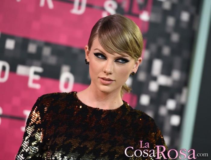 Taylor Swift gana un millón de dólares cada día
