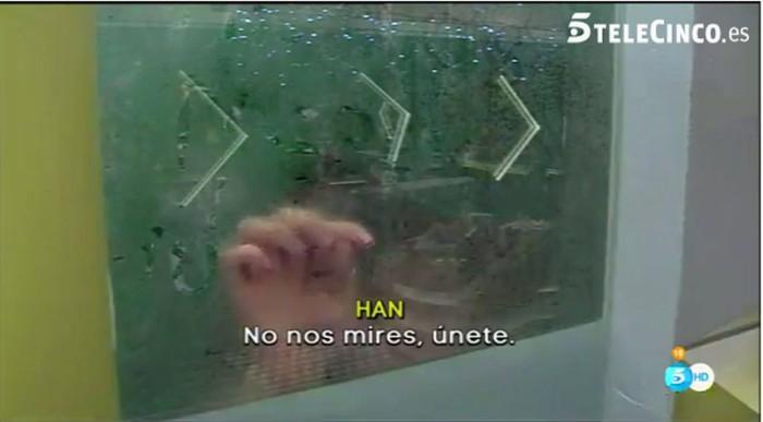 Aritz y Han se reconcilian compartiendo una ducha en Gran Hermano 16