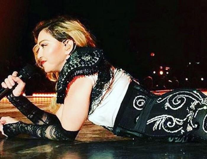 Madonna aparece tarde y con signos de embriaguez en su concierto en Louisville