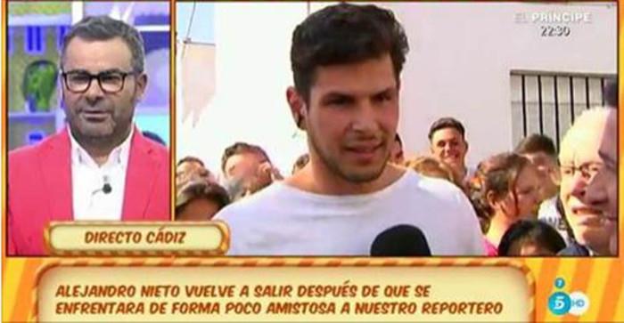 Alejandro Nieto molesto con Sálvame por hablar de su ex y de las peleas de gallos