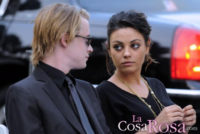 Ashton Kutcher molesto por la buena relación entre Mila Kunis y Macaulay Culkin