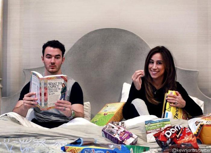 Kevin Jonas y su esposa Danielle están esperando su segundo hijo