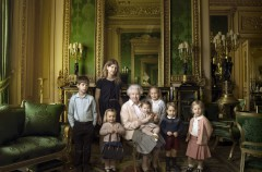 La Reina Isabel II celebra sus 90 años posando para Annie Leibovitz