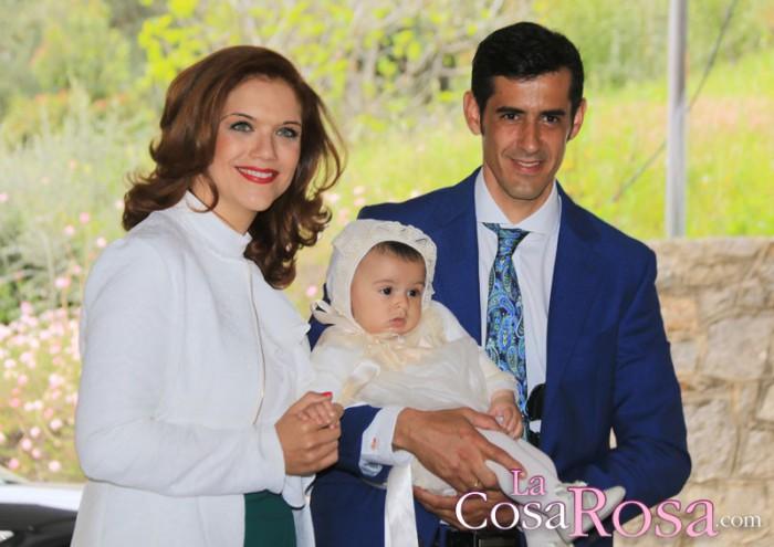 Víctor Janeiro y Beatriz Trapote bautizan a su hijo, Víctor