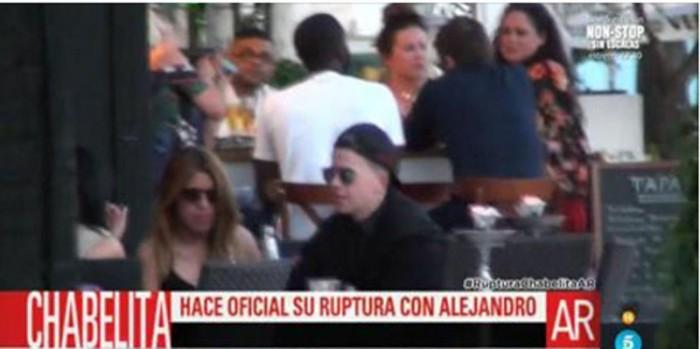 Unos mensajes en el móvil de Chabelita motivan su ruptura con Alejandro Albalá