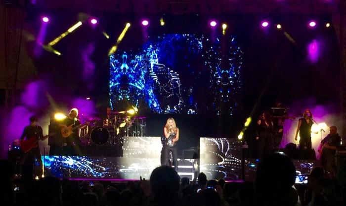 Edurne lanza un mensaje en su primer concierto de la gira Adrenalina