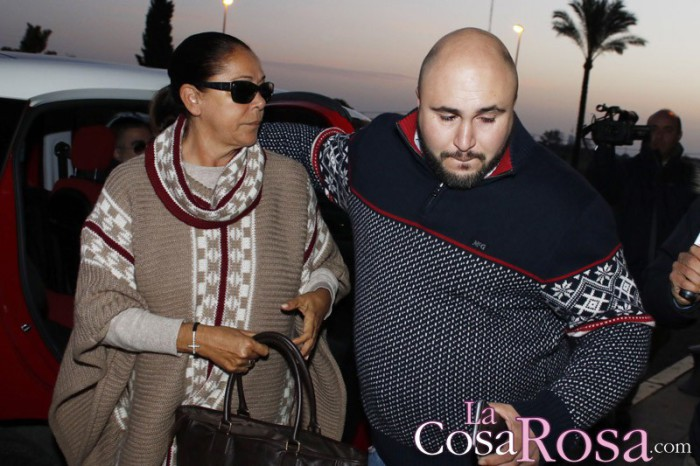 Kiko Rivera empeñado en que su madre pose en ¡Hola! el día de su boda