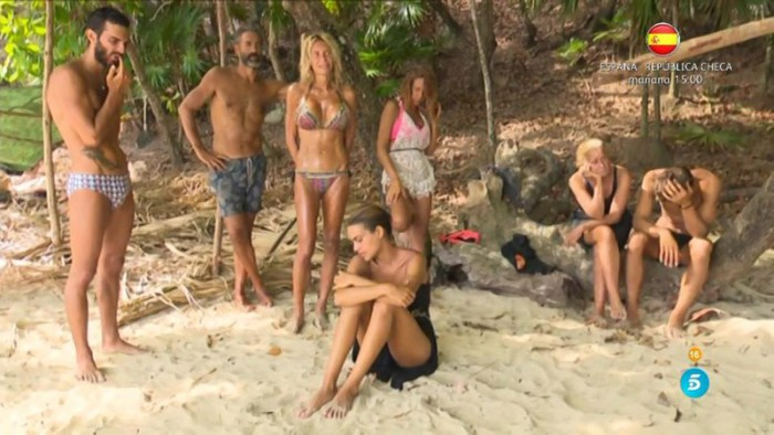 Yola la menos querida, Steisy sigue su tonteo con Paco y Yurena habla con su madre en Supervivientes