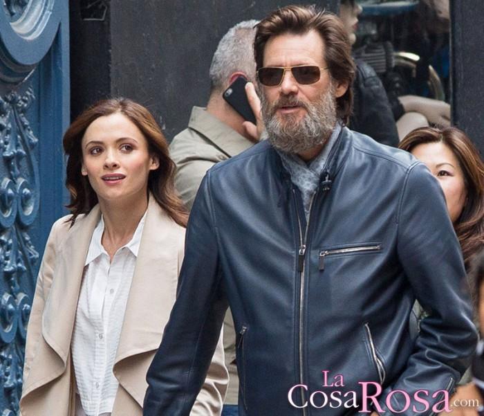 Jim Carrey lamenta la exposición de la vida de Cathriona White