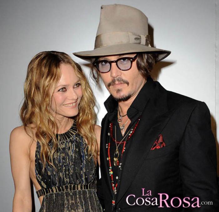 La familia y amigos de Johnny Depp quiere que vuelva con Vanessa Paradis