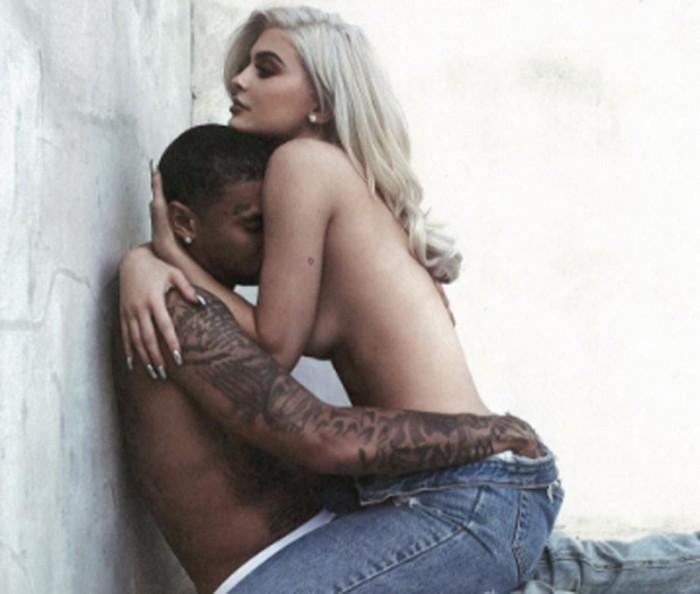 Kylie Jenner regala a Tyga una pulsera de diamantes por su cumpleaños