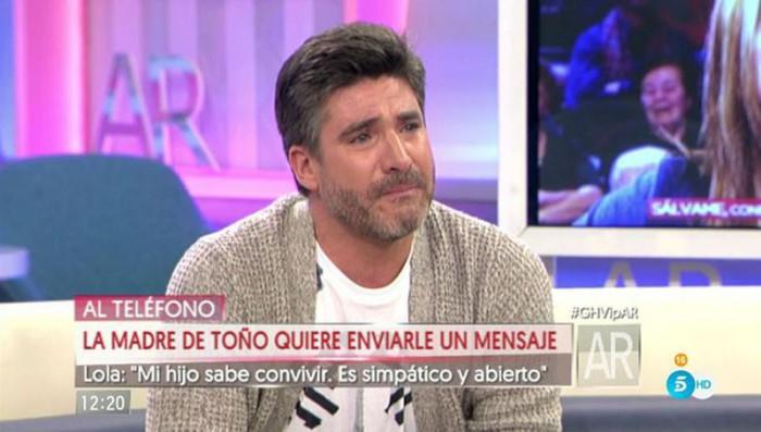 Toño Sanchís se emociona con la intervención de su madre en El programa de Ana Rosa