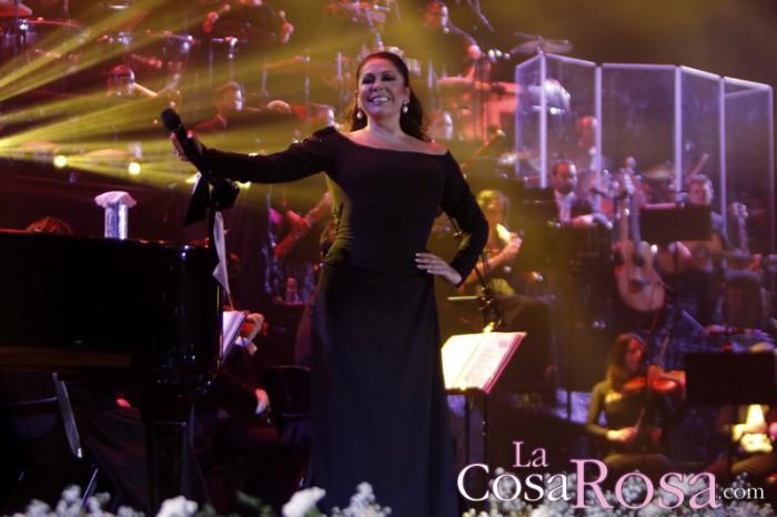 Raquel Bollo y Luis Rollán acuden al concierto de Isabel Pantoja en Barcelona