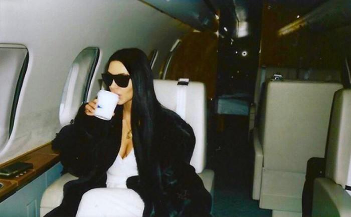 Una espiritual Kim Kardashian crea un club de lectura con sus amigas