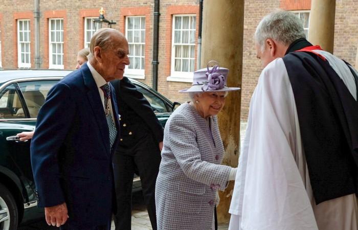 Felipe de Edimburgo se retira de la vida pública