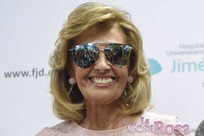 Una agradecida y emocionada María Teresa Campos se marcha a casa tras recibir el alta