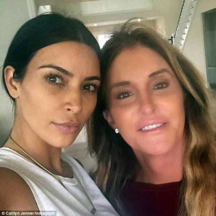 Kim Kardashian se enfrenta a Caitlyn Jenner