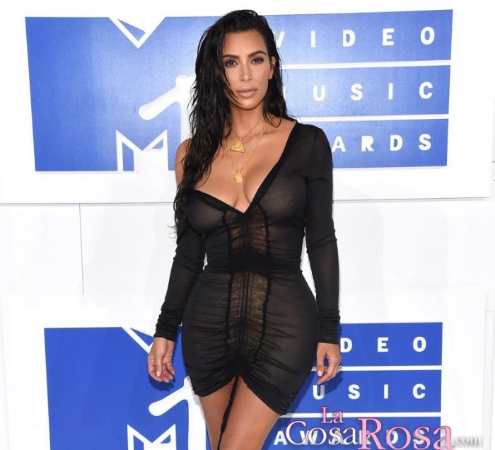 Kim Kardashian dice que retocaron las fotos de su celulitis