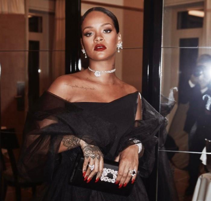 Rihanna se defiende de los ataques a su cuerpo