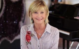 Olivia Newton-John comenta su situación tres meses después de anunciar que padece cáncer