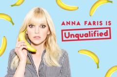 Anna Faris no cree que se deba ser la mejor amiga de tu pareja