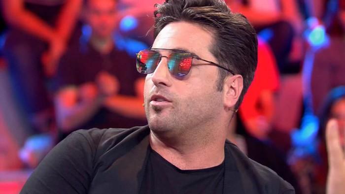 Ares Teixidó sale con un cantante que no es Bustamante según Diego Arrabal