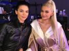 Kylie y Kendall Jenner disfrutan de Halloween con sus novios