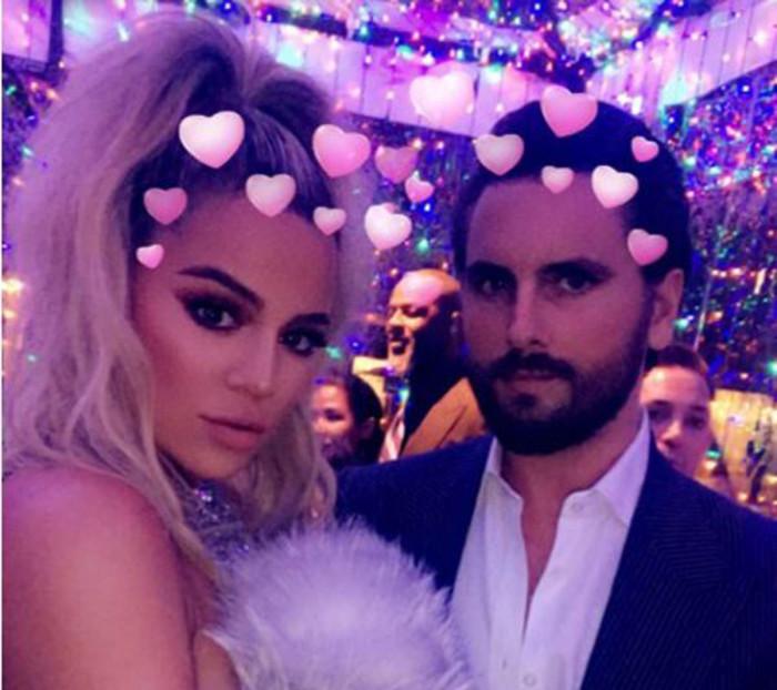 Scott Disick molesto al encontrarse con Younes Bendjima en la fiesta de Navidad de las Kardashian